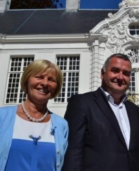 Mia De Brouwer et Karim Van Overmeire.jpg