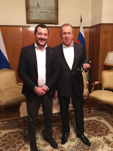 Matteo Salvini et Sergueï Lavrov.jpg