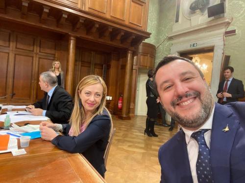 Meloni et Salvini.png