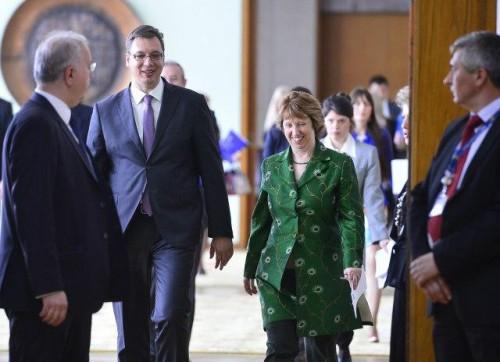 Aleksandar Vučić et Catherine Ashton.jpg